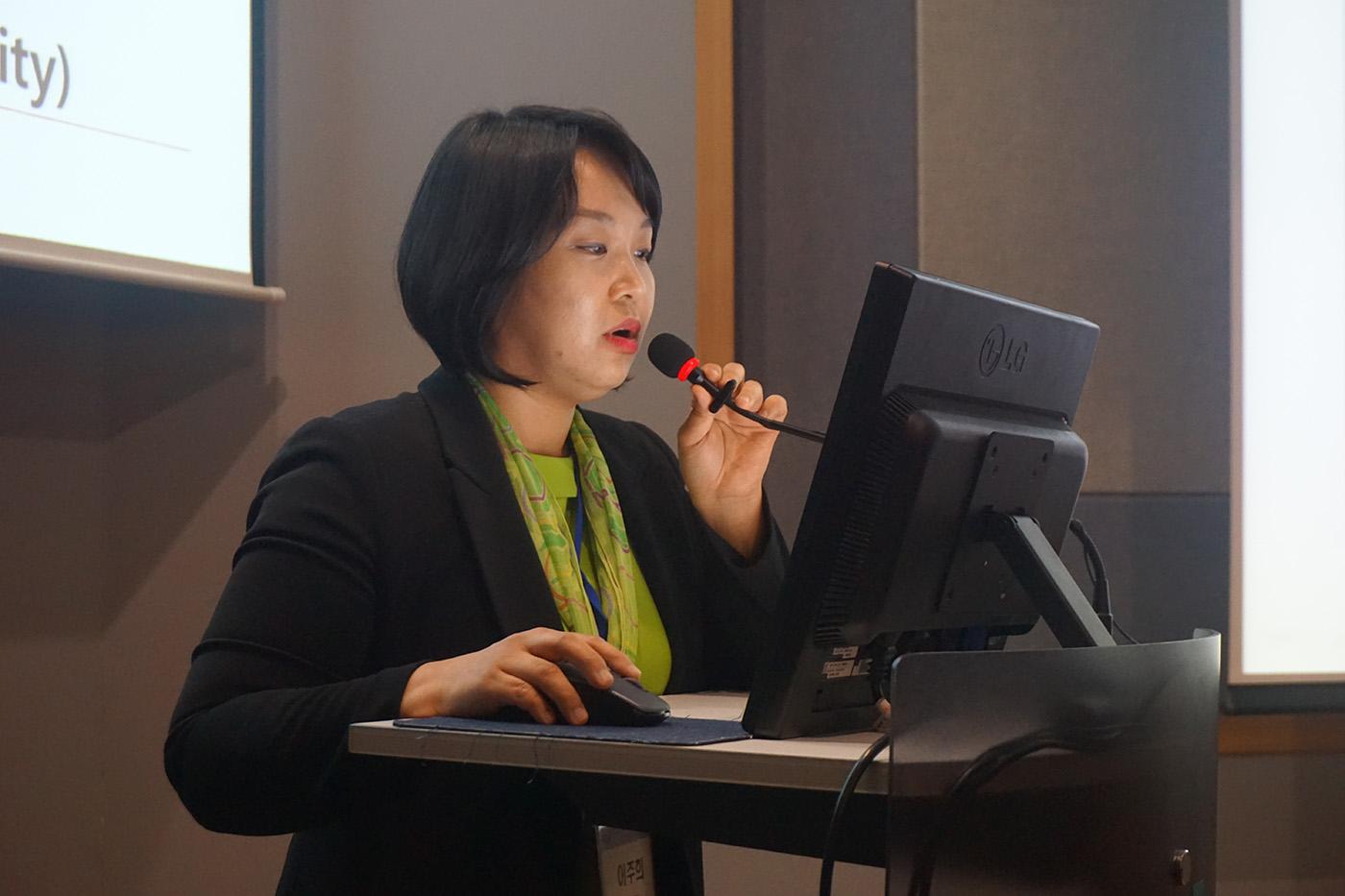 제4회 피부과 전문의를 위한 건선치료 세미나 사진 (16) .JPG